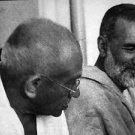 Mahatma Gandhi and a man - 8x10 photo