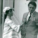 Elizabeth Taylor with her husband Richard Burton. - 8x10 photo