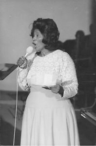 Mahalia Jackson singing. - 8x10 photo