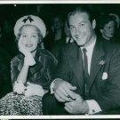 Arlene Dahl sitting with Lex Barker - 8x10 photo