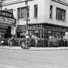 Big hit - People standing in line. - 8x10 photo