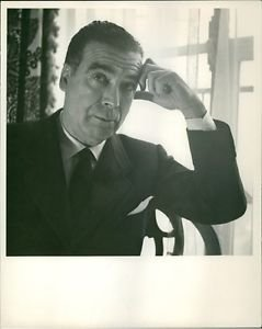 Man photographed by Cecil Beaton.  - 8x10 photo