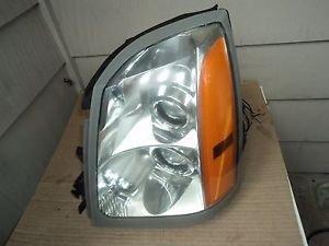 04-09 Cadillac SRX Driver Left Side  Headlight HID Xenon Oem  With Ballast