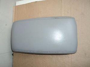 2005 Lexus ES 330 Center Console Arm Rest Lid OEM Grey