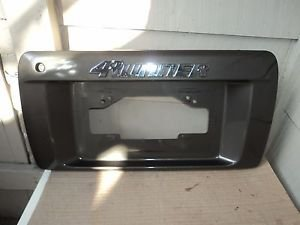 TOYOTA 4RUNNER REAR LICENSE PLATE MOULDING PANEL WITH DOOR HANDLE 96,97,98,99,