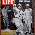 Life Magazine July 25, 1969 : Cover - Apollo 11 Commander Neil Armstrong NASA