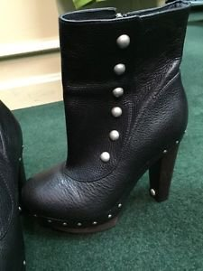 UGG Australia Cosima Mid Black Leather Stud Boots Size 5.5