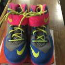 Nike Soldier VIII 653646 002 Size 2y Youth  Athletic Running Shoes