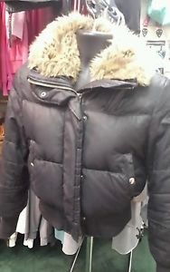 Womens Express Winter Jacket. Black size Medium.
