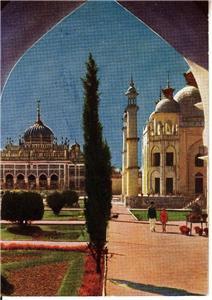 CP12.Vintage Godfrey Phillips Postcard.Imambara, Lucknow. India