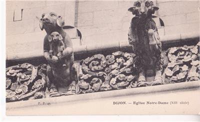 CO59. Vintage Postcard.Dijon, France. Sheep and dog statues on Notre Dame Church
