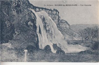 CL59.Vintage French Postcard. A Waterfall. Baume les Messieurs. The Jura.