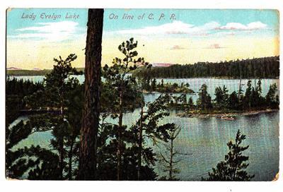 CJ08. Vintage Canadian Postcard. Lady Evelyn Lake. On the C.P.Railway