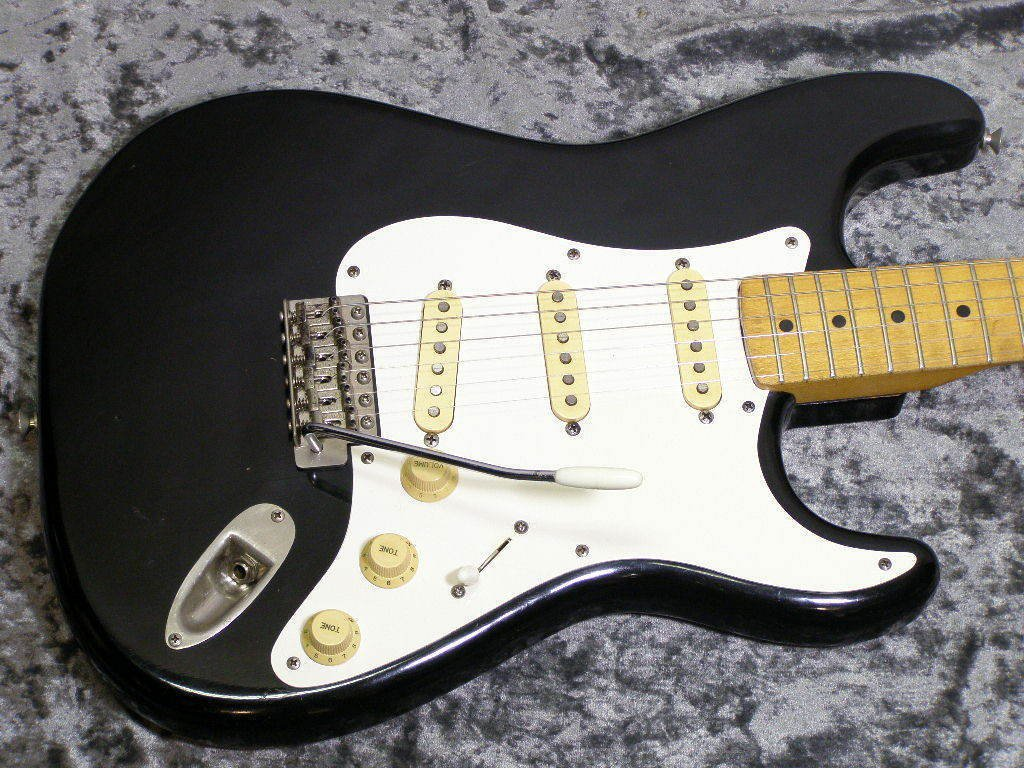 1979 Tokai ST-80 w/OHSC Stratocaster Free Shipping Electric Guitar