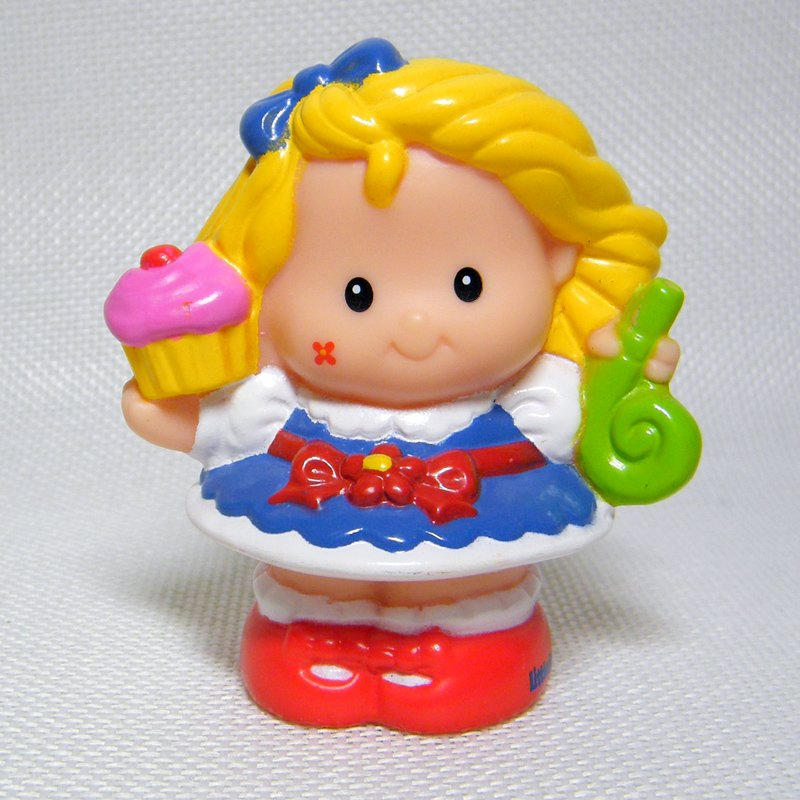 Fisher Price Little People SARAH LYNN Cupcake, Musical Birthday Party