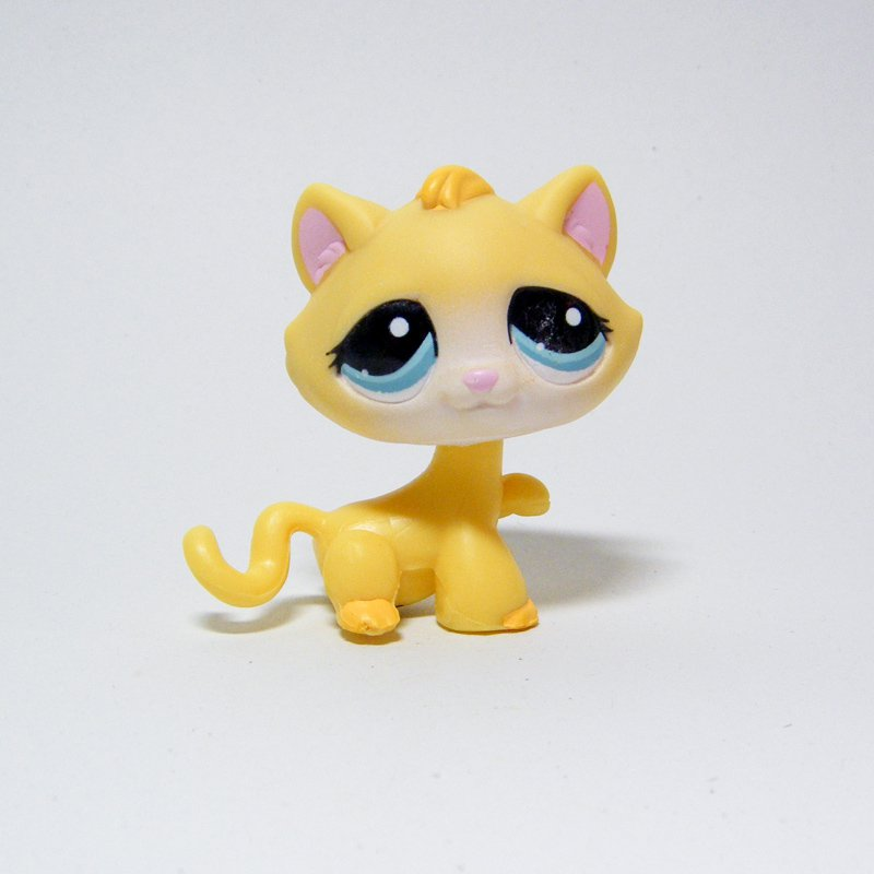 Littlest Pet Shop #1035 Yellow Tabby CAT Paw Up Blue Eyes Happiest Pet