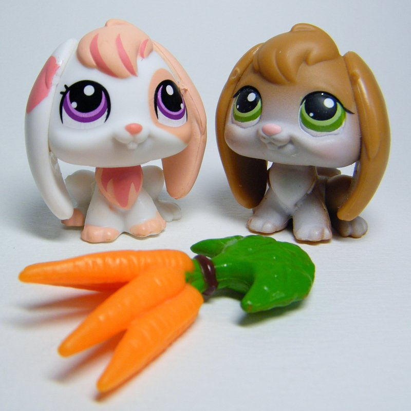 Littlest Pet Shop # 1304 RABBIT Peach Pink & # 185 Lopp Ear Brown Bunny