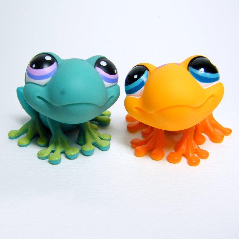 Littlest Pet Shop # 874 FROG Orange w Purple Spots & # 155 Teal Green & Lime