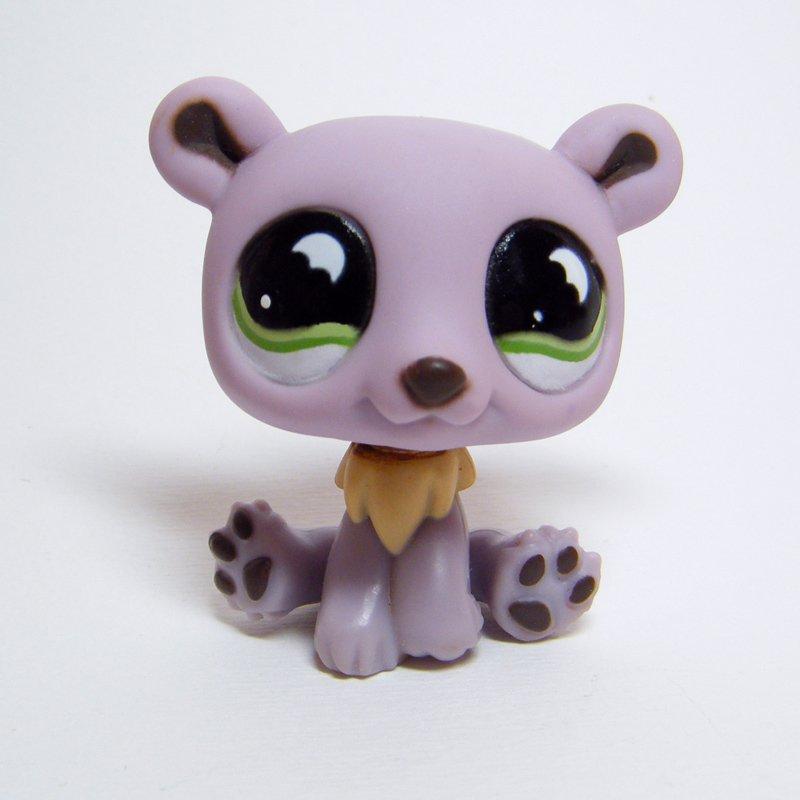 Littlest Pet Shop # 833 POLAR BEAR Purple w Green Wavy Eyes Hungriest Pets