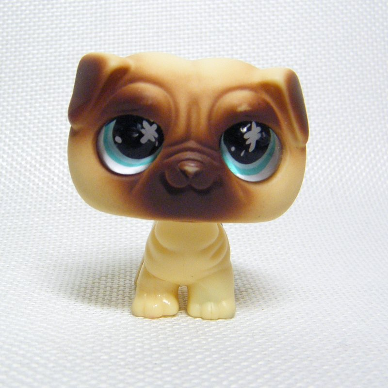 Littlest Pet Shop # 623 PUG Puppy with Glassy Blue Eyes Messiest Pet