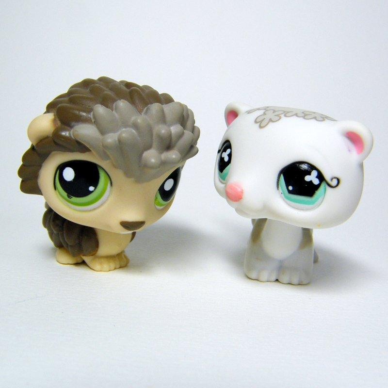 Littlest Pet Shop # 579 White FERRET & 1321 Taupe PORCUPINE LPS Friends