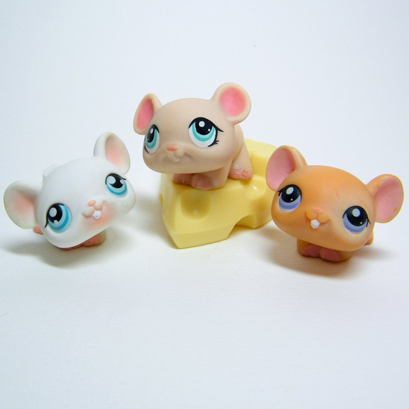 Littlest Pet Shop # 30 White MOUSE with Cheese # 41 Cream & # 179 Tan