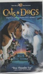 Cats & Dogs (VHS Clamshell)