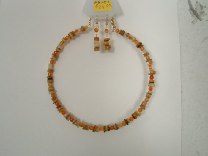 Natural Agate With Carnelian Memory Wire Necklace With Earrings
