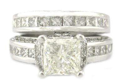 PRINCESS CUT DIAMOND ENGAGEMENT RING AND BAND 2.85CTW