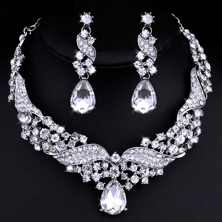 "Wedding Jewelry Set ""Wings of Love"" (1 Necklace and 2 Earrings)"