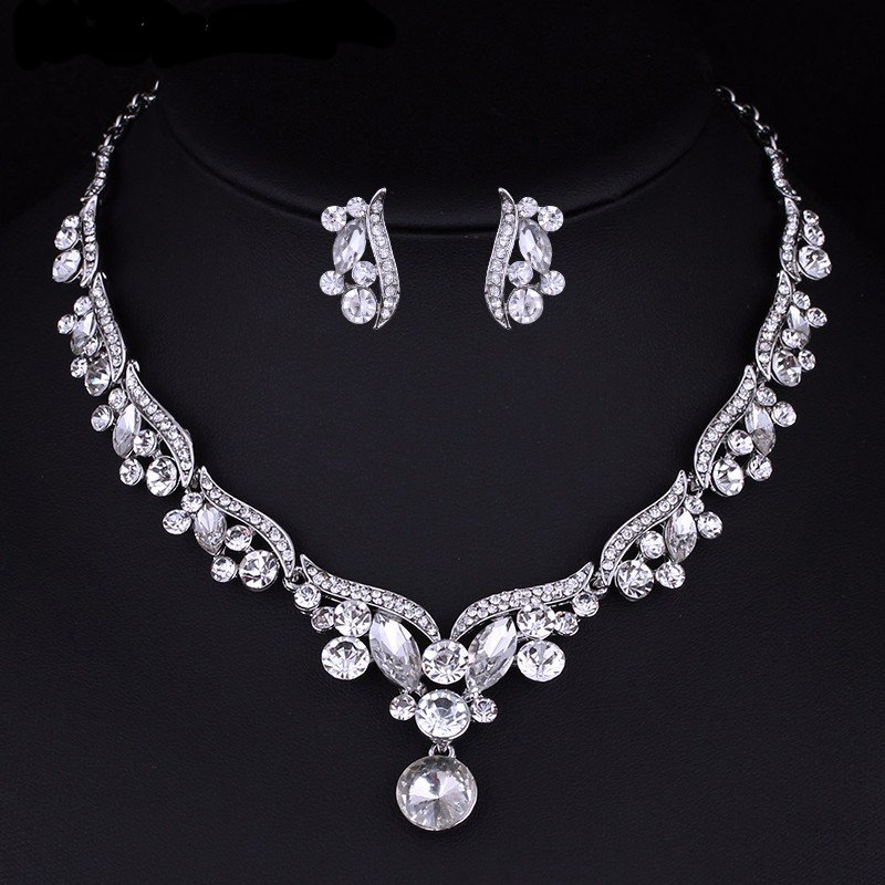 Wedding Jewelry Set �Majestic� (1 necklace and 2 earrings)