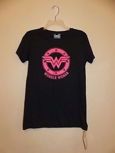 Womens Under Armour heatgear shirt black with neon pink Wonder Woman size S NWT