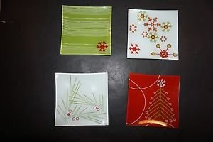 Partylite Merry Christmas set of 4 pillar trays white, red, green designs NWOB