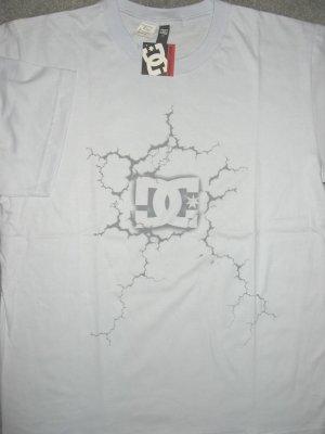 DC Shoe Co USA Logo Men T-shirt size L Large