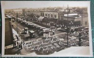 Lidgerwood, N Dakota-SOLDIER SAILOR DAY JULY 4,1919 VTG RPPC PHOTO POSTCARD-CARS