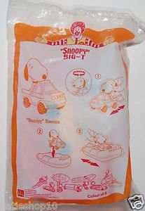 2005 McDonald's Peanuts Happy Meal Toy Snoopy Big-T - Snoopy Rescue