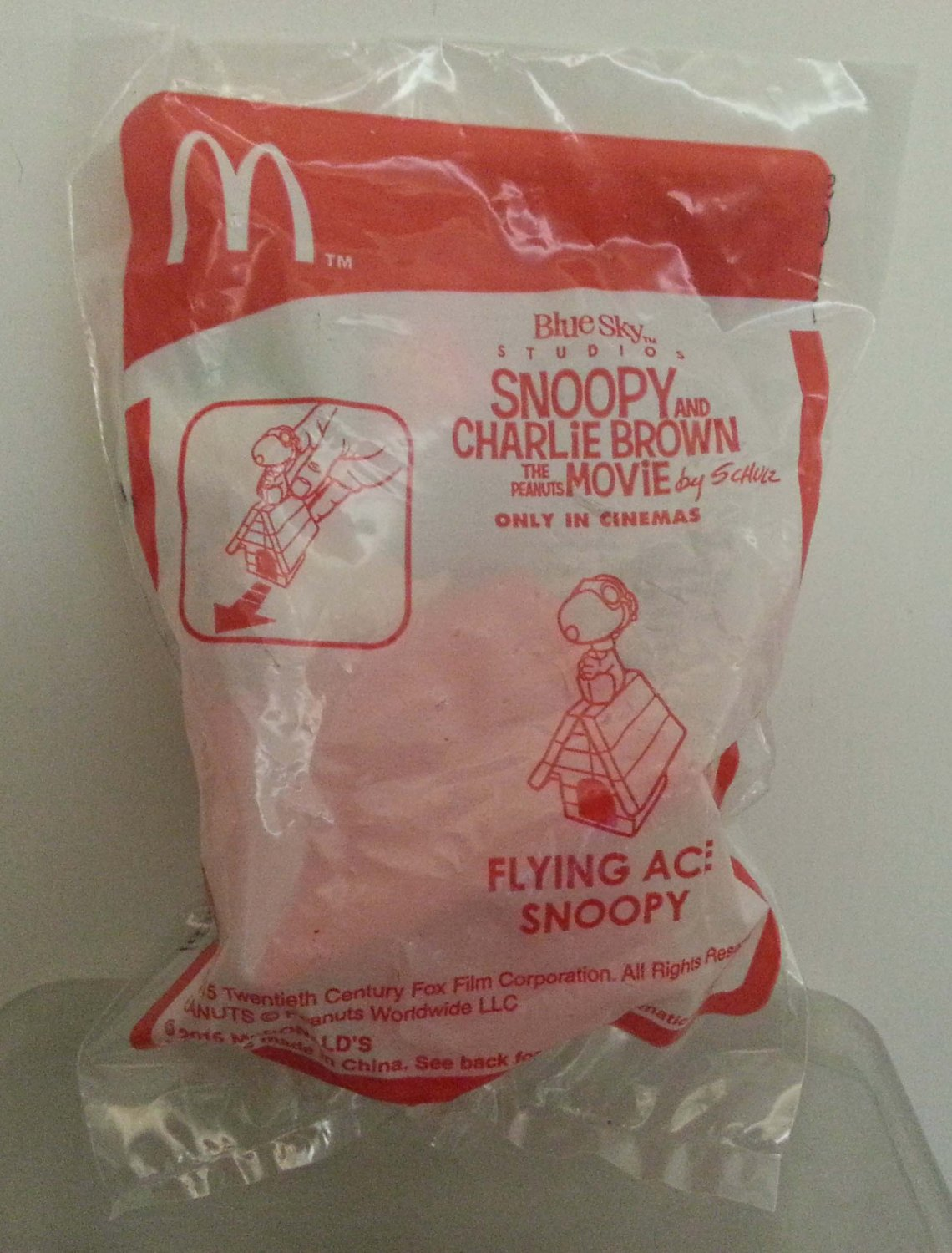 McDonald's Happy Meal Snoopy and Charlie Brown The Peanuts Movie Only in Cinemas - Flying Ace Snoopy