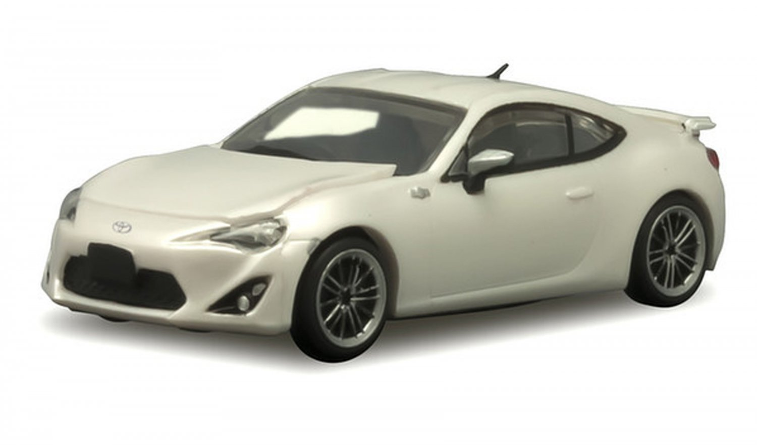 F Toys 1/64 Japanese Classic Car Selection Vol. 5 Toyota 86 ZN6 #2A White
