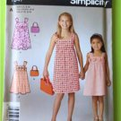 # Simplicity Sewing Pattern 1647 Childrens Girls Dress Bag Size 3-14 New