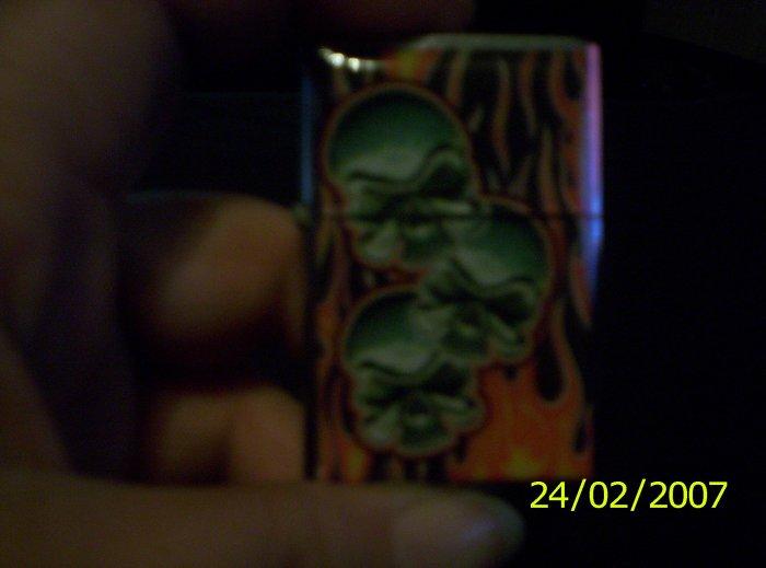 3 skull Lighter