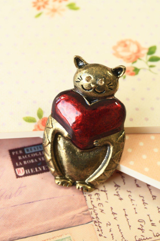 Cat Heart brooch pin bag charm