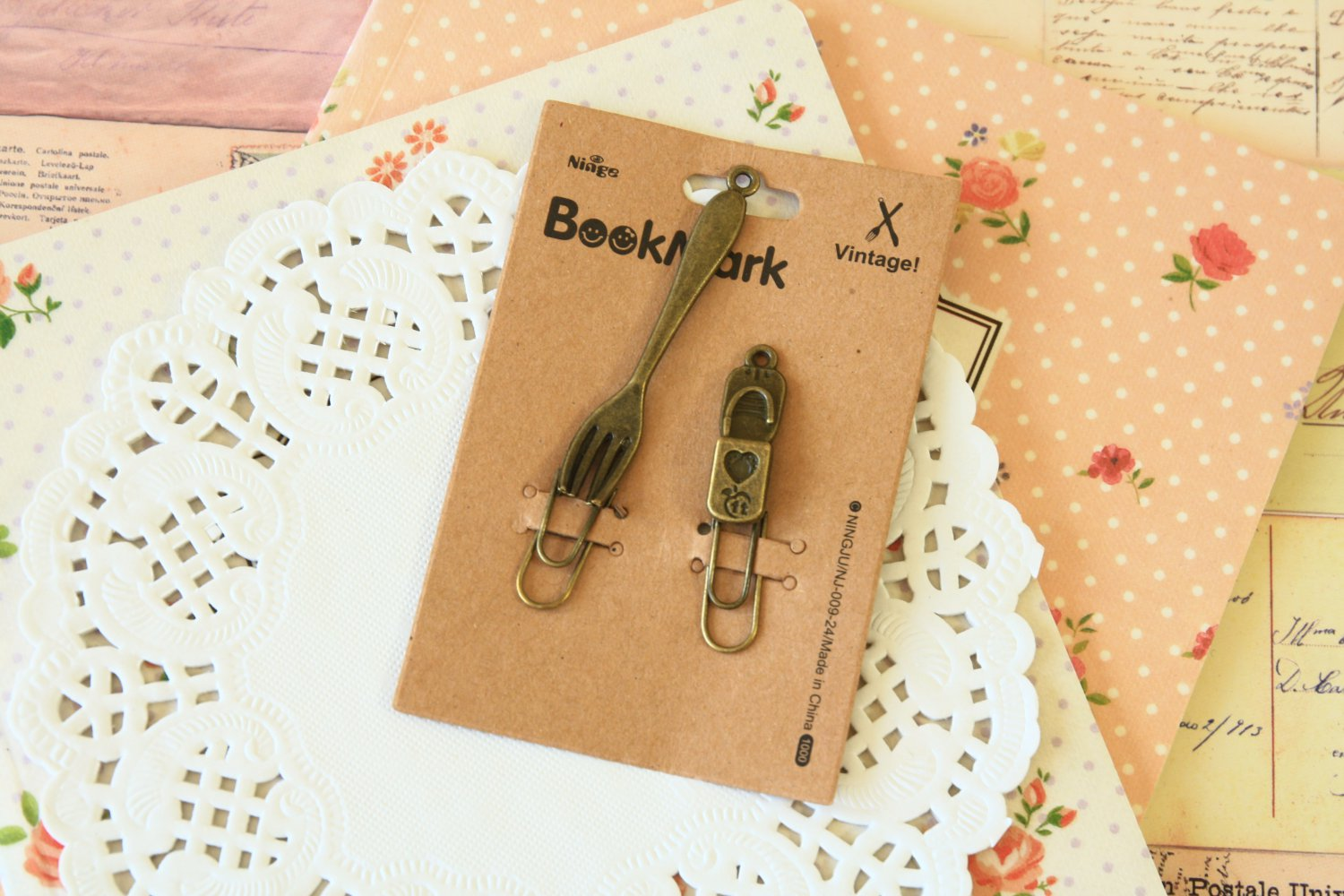 03 Fork and Padlock Bookmark Vintage Style paper clips