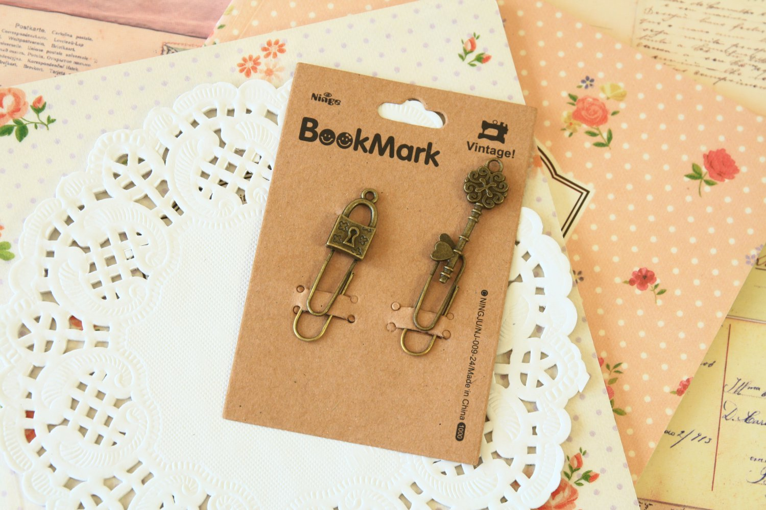 07 Padlock and Key Bookmark Vintage Style paper clips