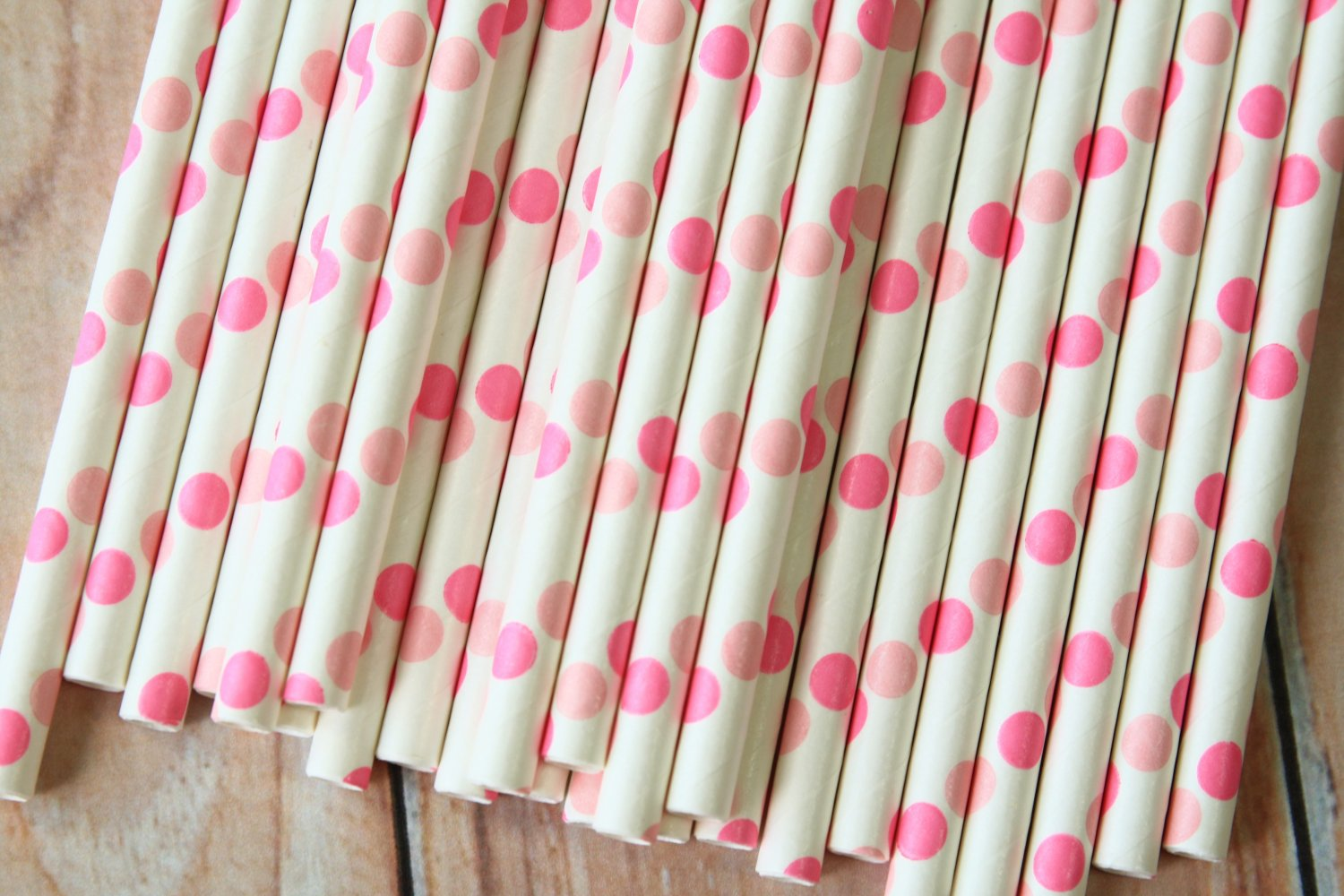 Double Pink Big Dots paper straws