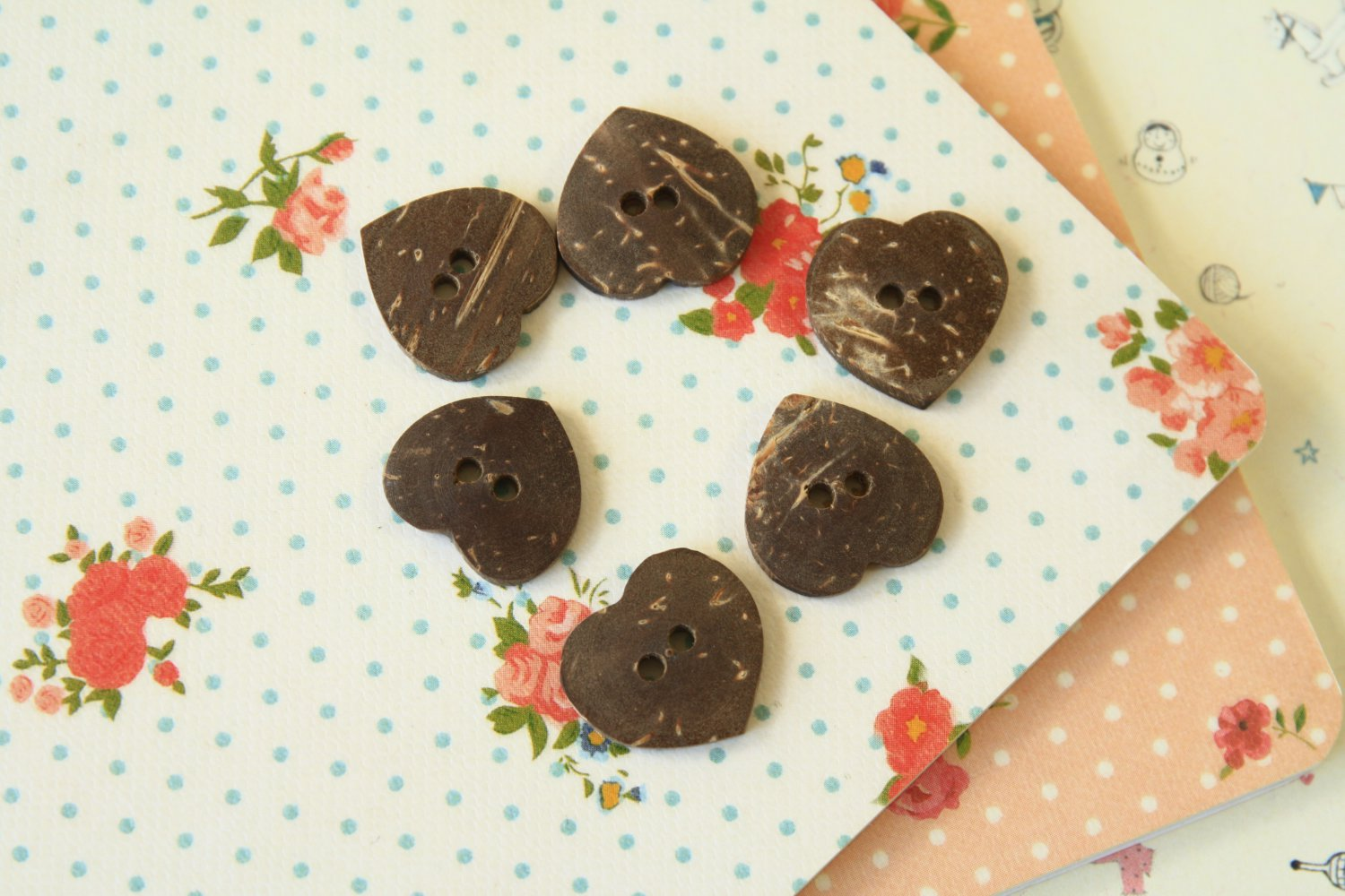 East of India Small Heart Coconut Buttons