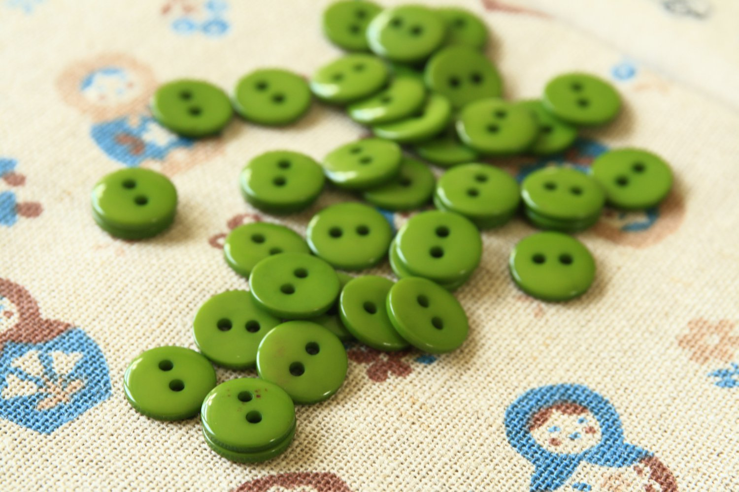 Apple Green Mini Resin Candy Colour Buttons 20pc Set