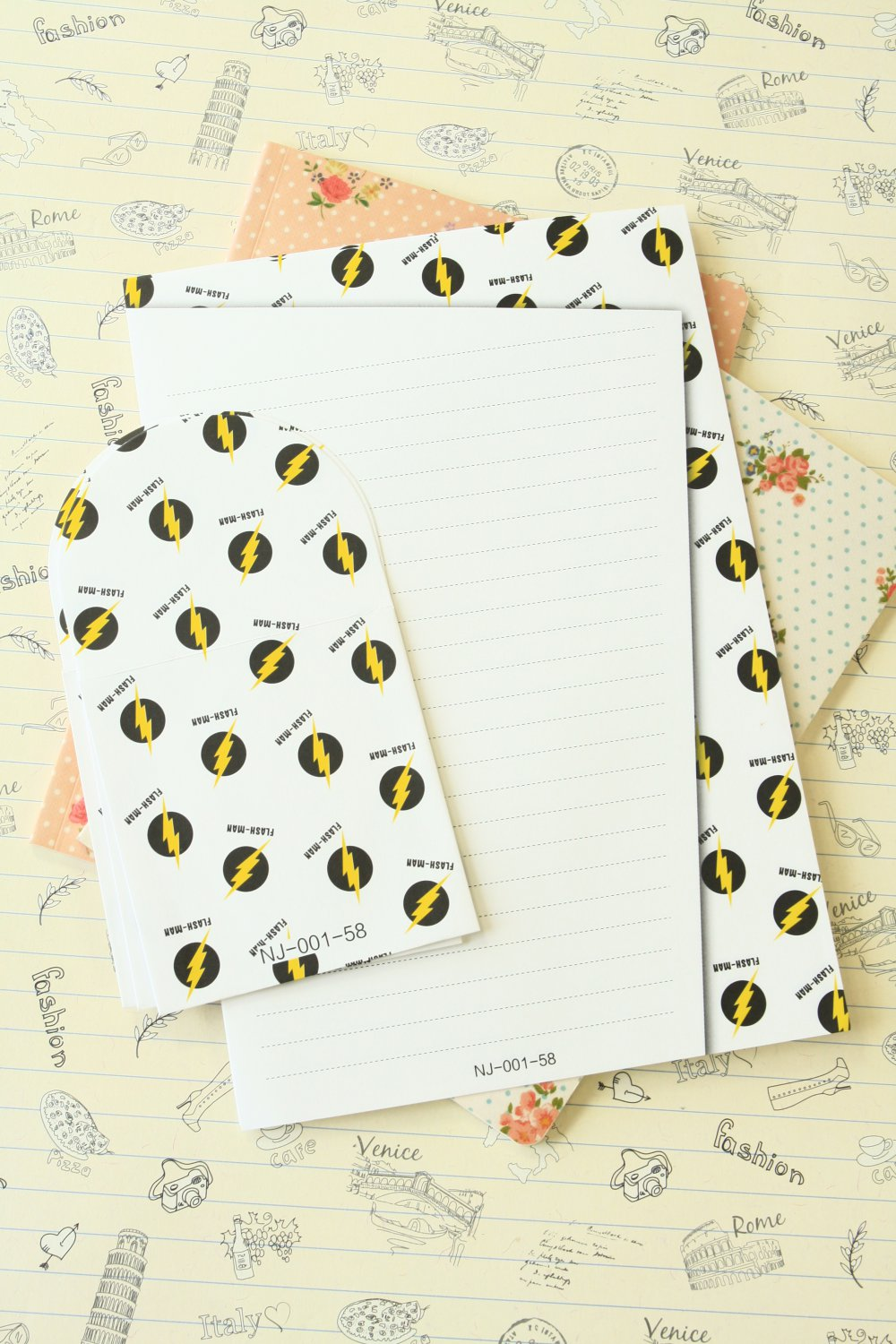 Flash Man Black & White writing paper and envelopes letter set