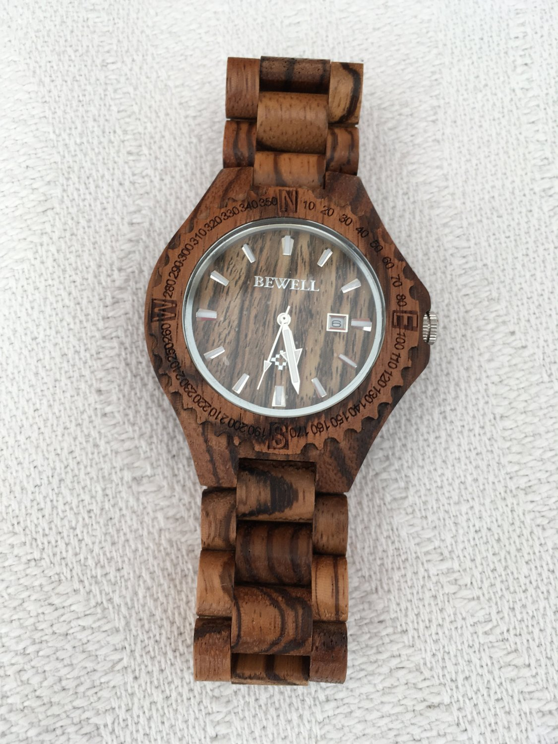 Wooden Watch. Men's Wooden Watch with Date Display and Metal Clasp.