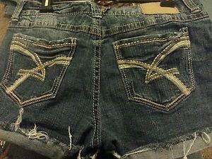 Women's Amethyst Jeans 11 Cotton Blend Flat Cut Off Shorts Jrs. Solid Dark Wash
