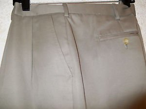 NEW! Men's Big & Tall Dress Career Slacks VAN HEUSEN 40/32 Pleated Khaki Pants